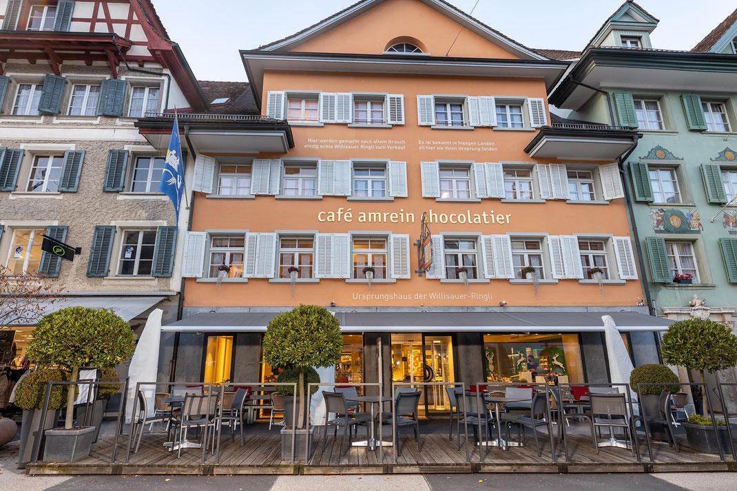 Das Traditionshaus mitten im Städtli Willisau, in der warmen Jahreszeit auch mit Strassencafé.