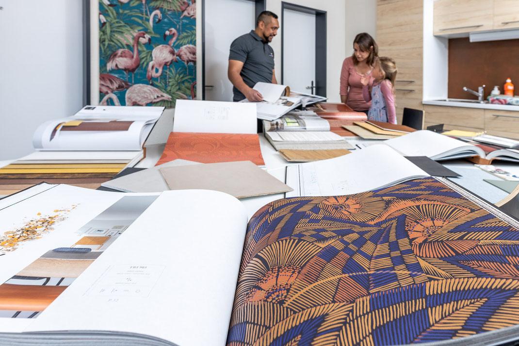 Mit Farben, Tapeten, Edelputz und Lasuren verwandelt Maler Burri jedes Zuhause in eine Wohlfühloase.