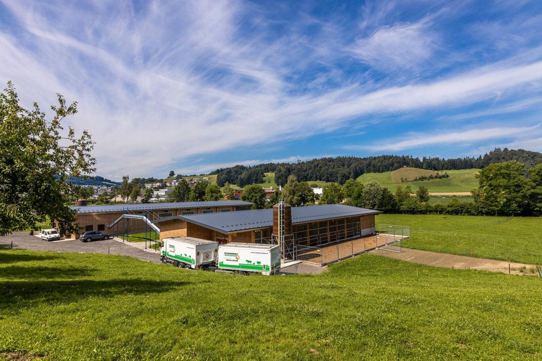 Lieferung von Geflügelfutter an die BIO-Eier-Produzenten Wigger in Gunterswil-Unterhaus Willisau LU (Legehennen).