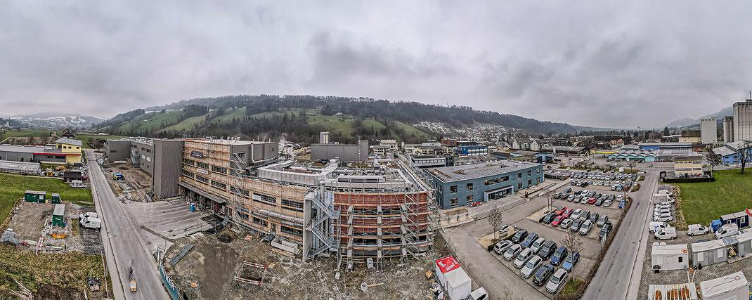 """Hier entsteht eines der modernsten Backwaren-Produktionszentren der Schweiz: Baustelle """"backhaus"""" der HUG FAMILIE in Malters"""