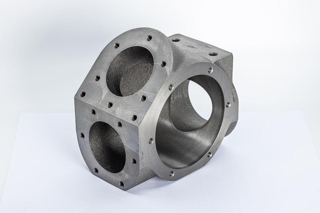Komplexe Fräsarbeiten sind die Spezialität der Bühlmann Maschinenbau AG
