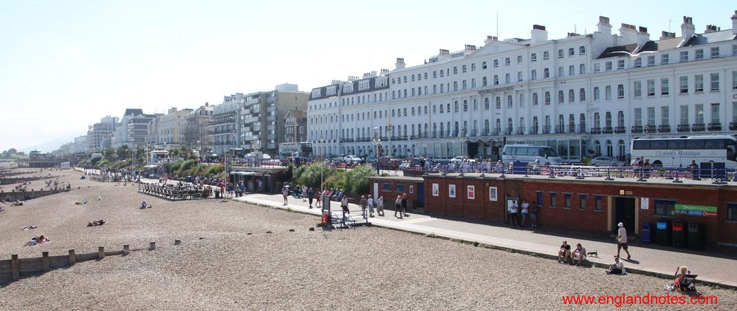 Sehenswürdigkeiten und Reisetipps Eastbourne, England: Strandpromenade von Eastbourne mit viktorianischen Hotels