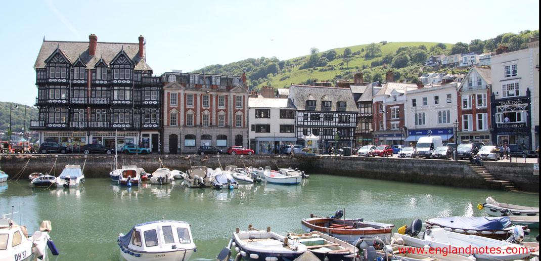 Sehenswürdigkeiten und Reseitpps für Dartmouth, England: Boat Float am Hafen von Dartmouth