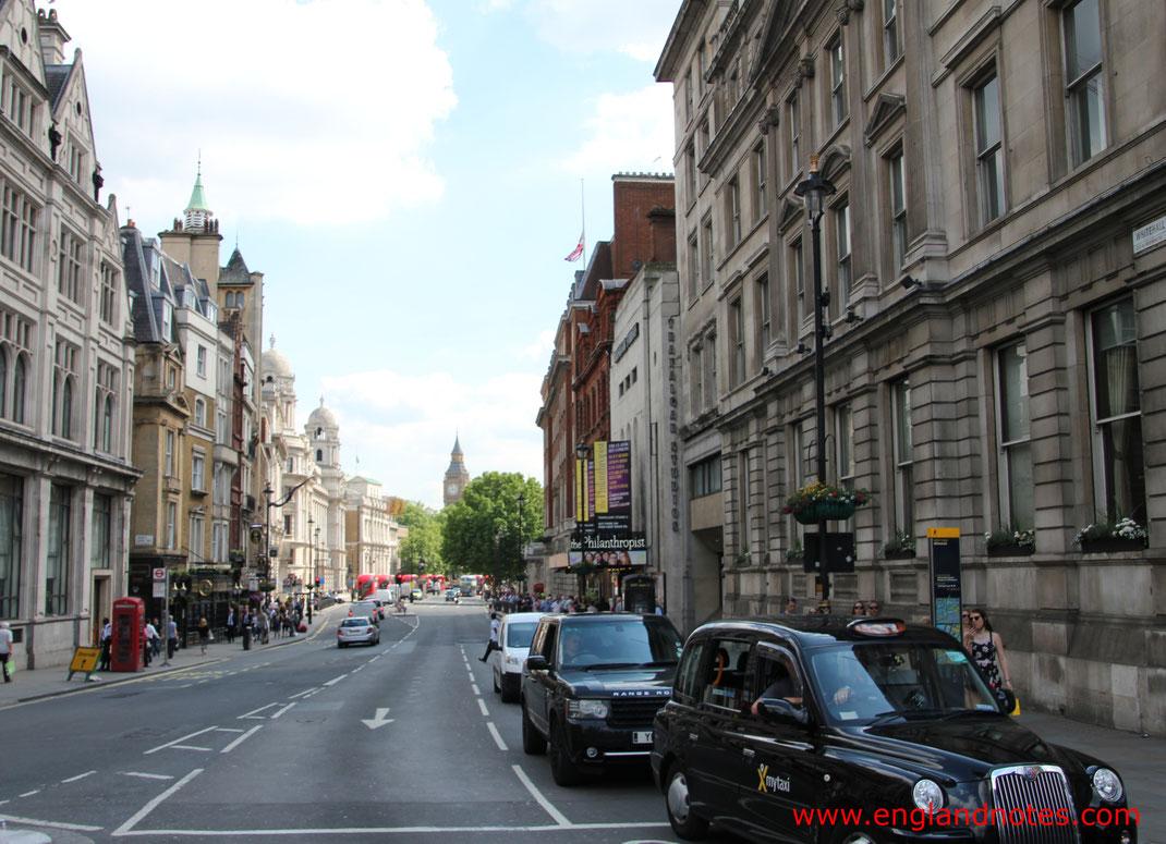 Autofahren und Linksverkehr in England: Was man beachten muss.