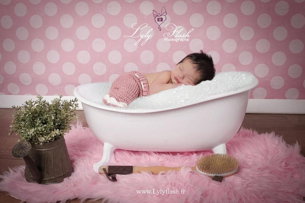 photo bain bébé naissance