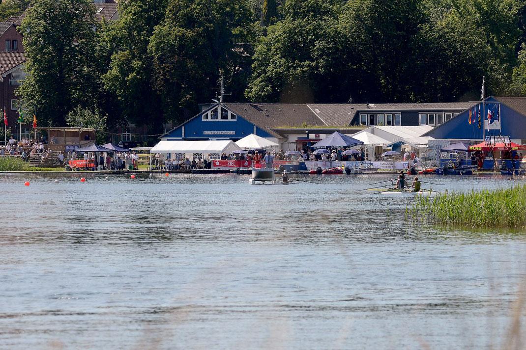 Zum 60. Mal ist der Küchensee Austragungsort der Internationalen Ratzeburger Regatta. Foto: 2000meter.de