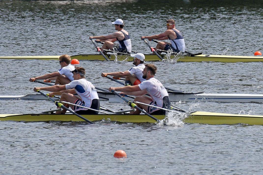 Enges Rennen im B-Finale: Lotz/Junge (oben) als schnellstes deutsches Boot auf Rang vier. Foto: 2000meter.de