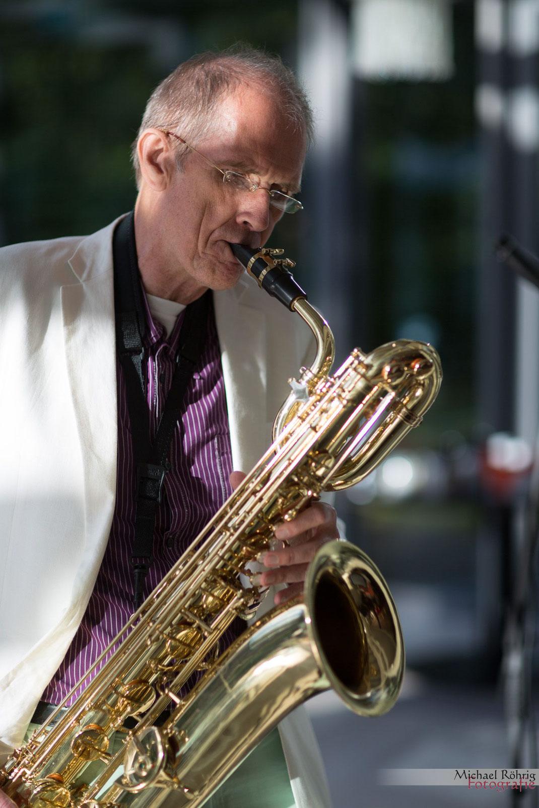 Saxophonist Jürgen Keymer mit Hochzeitsmusik bei der Feier