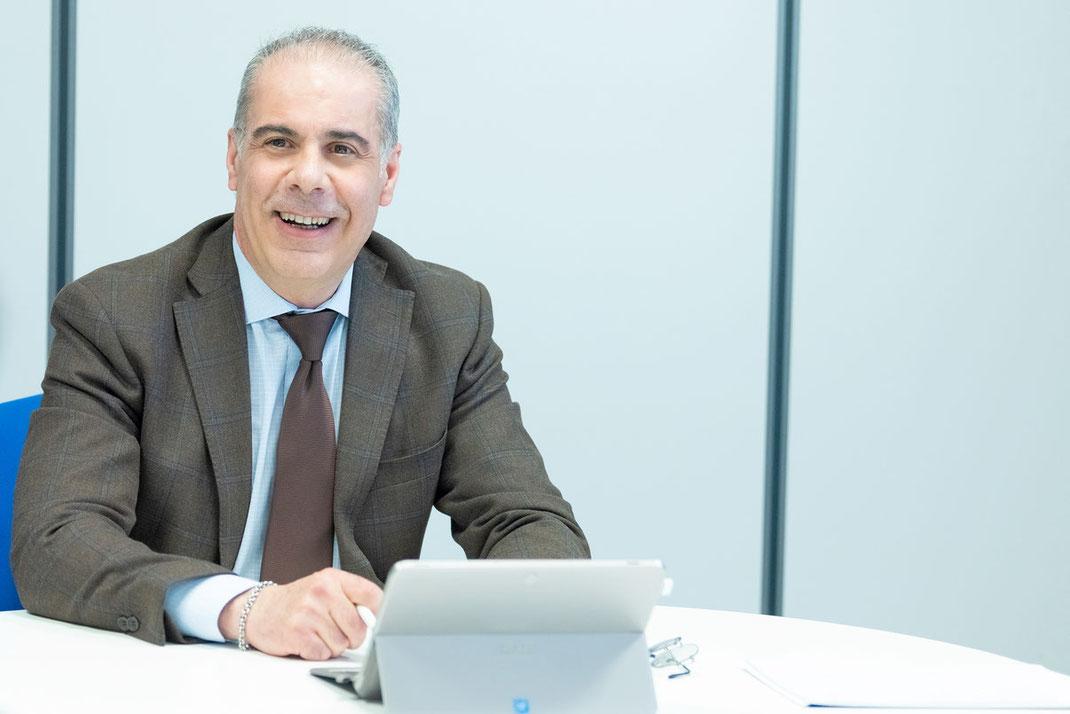 Roberto Cireddu presso gli uffici di Cagliari