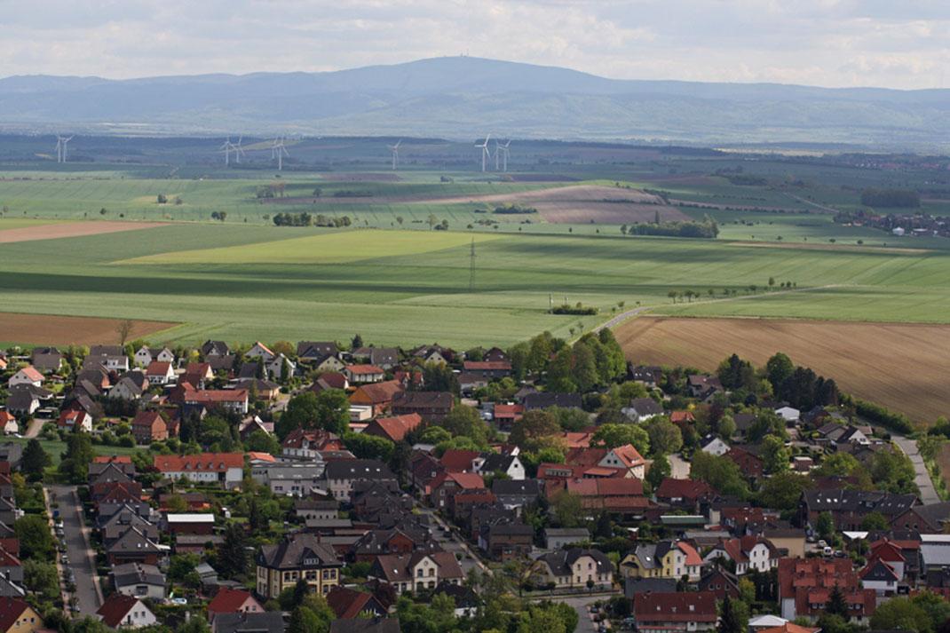 1899 - Ferienhaus, Seminarhaus und Kochwerkstatt in Wittmar / Blick von der Asse über Wittmar Richtung Brocken im Harz