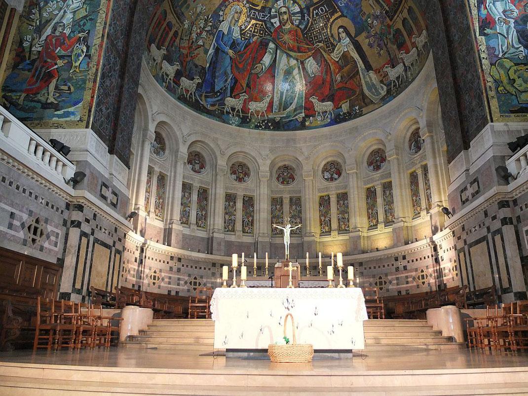 Le chœur de la basilique supérieure