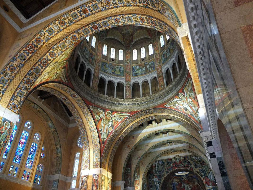 La coupole de la Basilique Sainte Thérèse