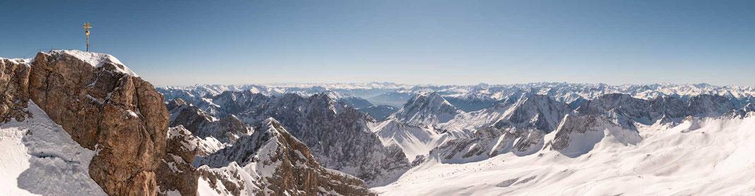 Atemberaubender Fernblick von der Zugspitze nach Süden