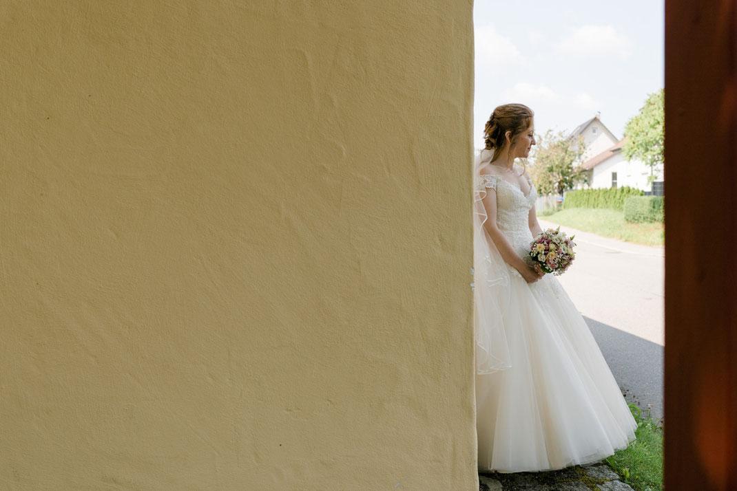 First-Look-Shooting, wartende Braut, glückliche Braut, Hochzeitsofotgraf, Niederösterreich, Wien
