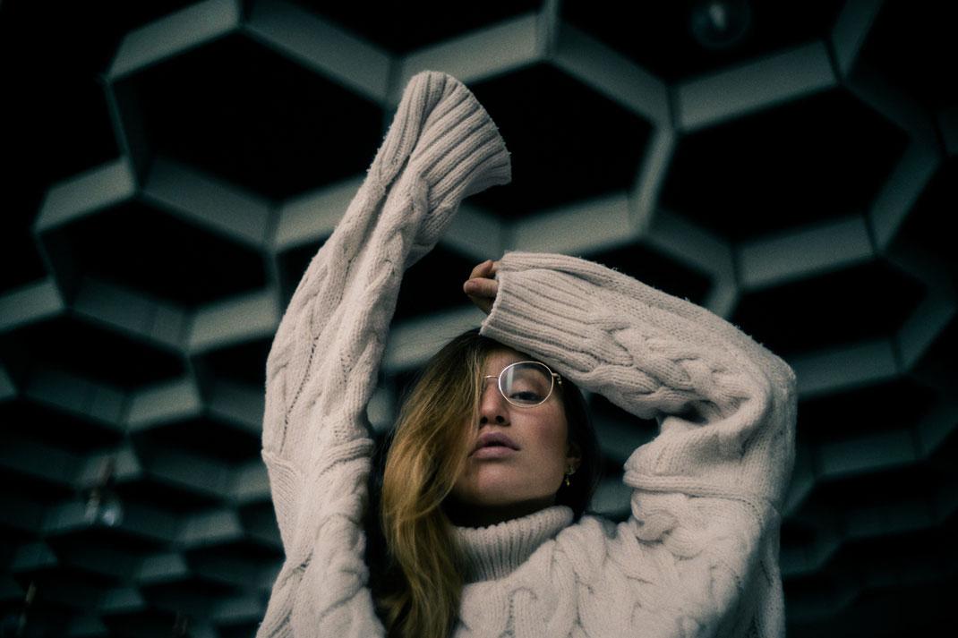 Fotoshooting mit Model und Brille in Oldenburg
