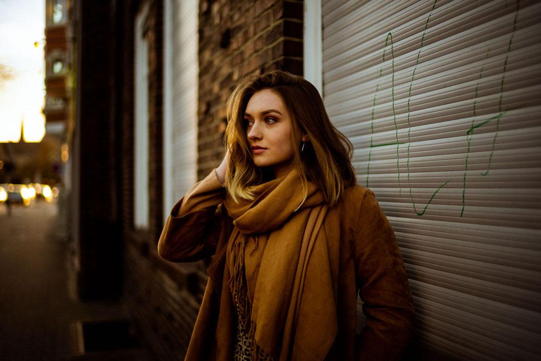 Fotoshooting mit einer jungen Frau in Oldenburg