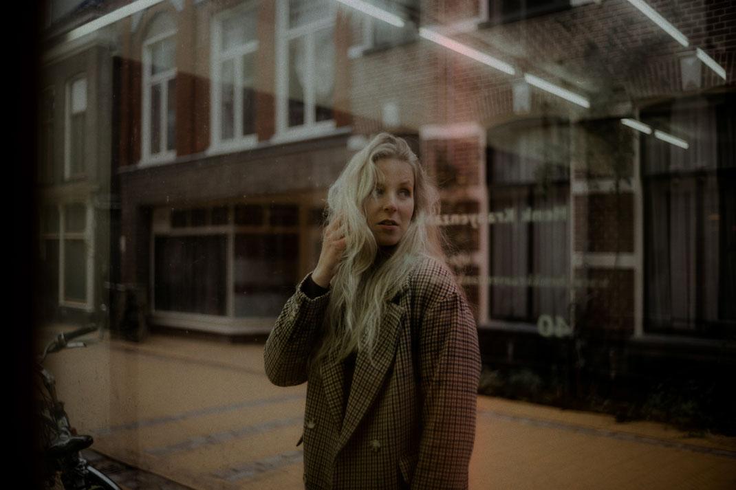 Model beim Fotoshooting in Groningen