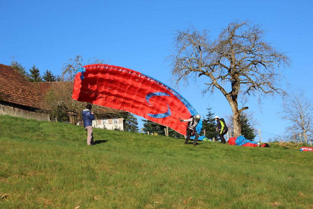 Gleitschirmschule Air-Time Paragliding im Schwarzwald Flugschule Oberkirch Gleitschirmflugschule Übungshang in Oppenau