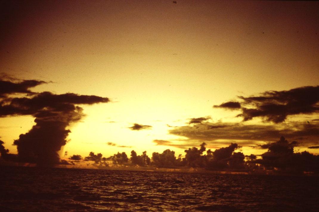 Atlantik, Überquerung, Segeltörn, Regen, Regenwolke, Reisebericht, Reiseblog, Atlantik, Überquerung, Segeltörn, von Senegal nach Brasilien, Sonnenuntergang