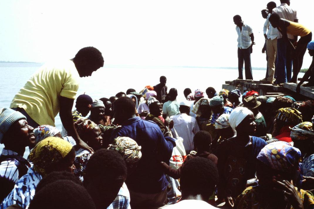 Guinea-Bissau, Rio Cacheu, Einbaum, Fähre