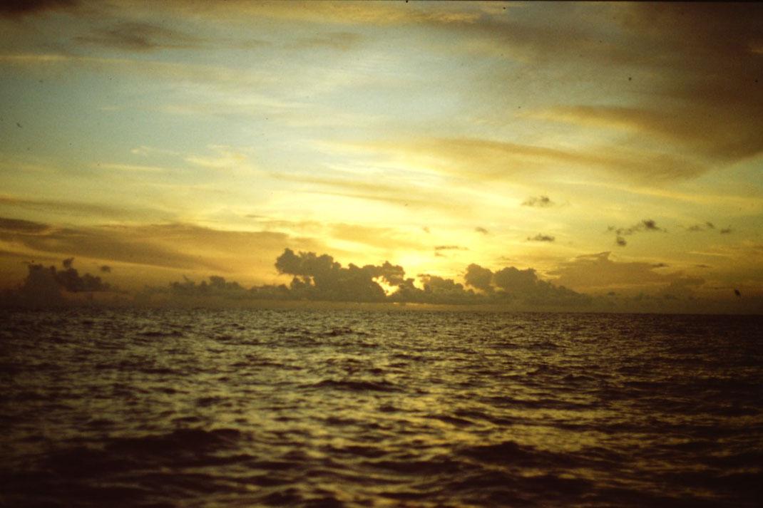 Reisebericht, Reiseblog, Atlantik, Überquerung, Segeltörn, von Senegal nach Brasilien, Abendstimmung, Sonnenuntergang