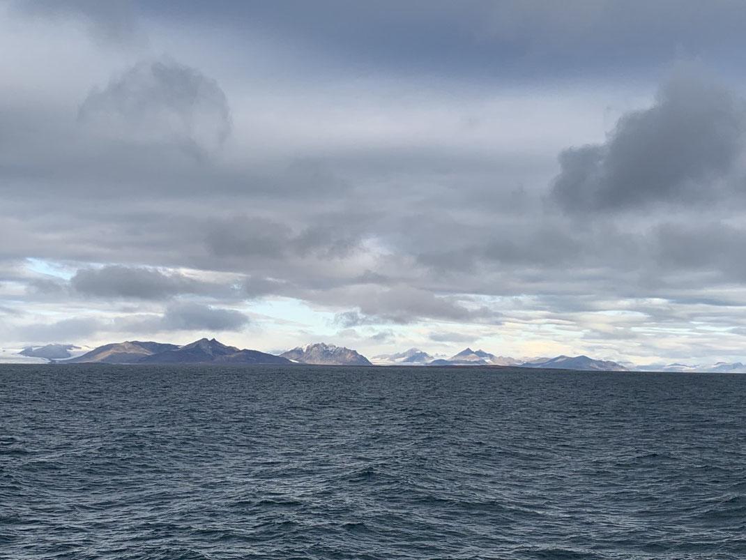 Islfjord, auf dem Weg nach Barentsburg