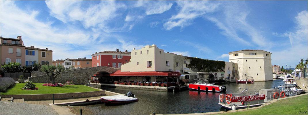 Le Canal Extérieur et, sur le droite, la Tour de l'entrée principale