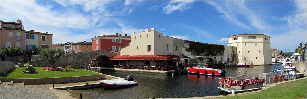 Port Grimaud ( Var ) ... Le Canal Extérieur