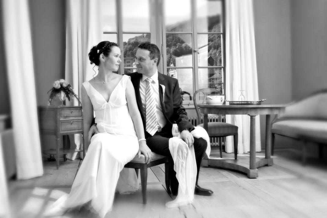 Hochzeits Fotoshooting. Mit Stil und Charme. Fotos die in Erinnerung bleiben und Sie mit Freude erfüllen werden.