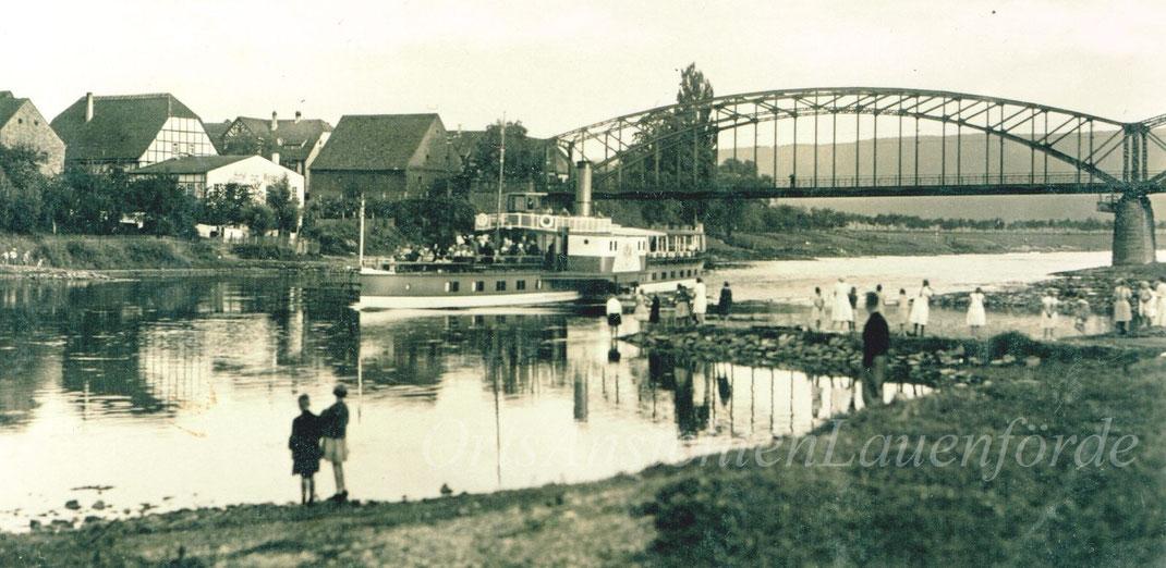 """""""Kaiser Friedrich"""" vor der alten Weserbrücke"""