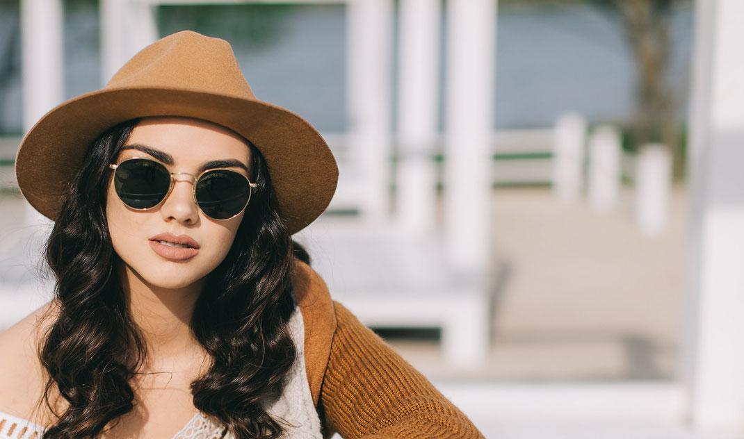 Lieblingsbrille Augenoptik modische Sonnebrillen kaufen in Berlin-Schmargendorf