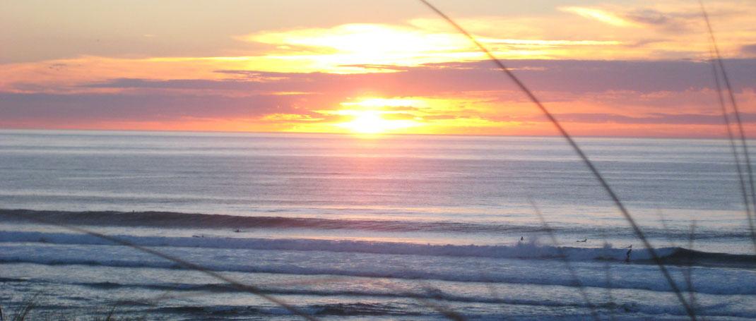 Sonnenuntergang am Surfspot in St.Girons Plage in Frankreich