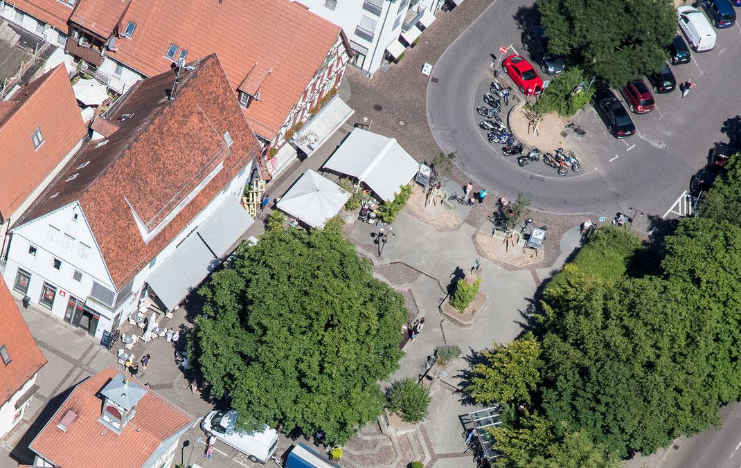 cafe trattoria adoro - Unter Kastanien in der Fussgängerzone