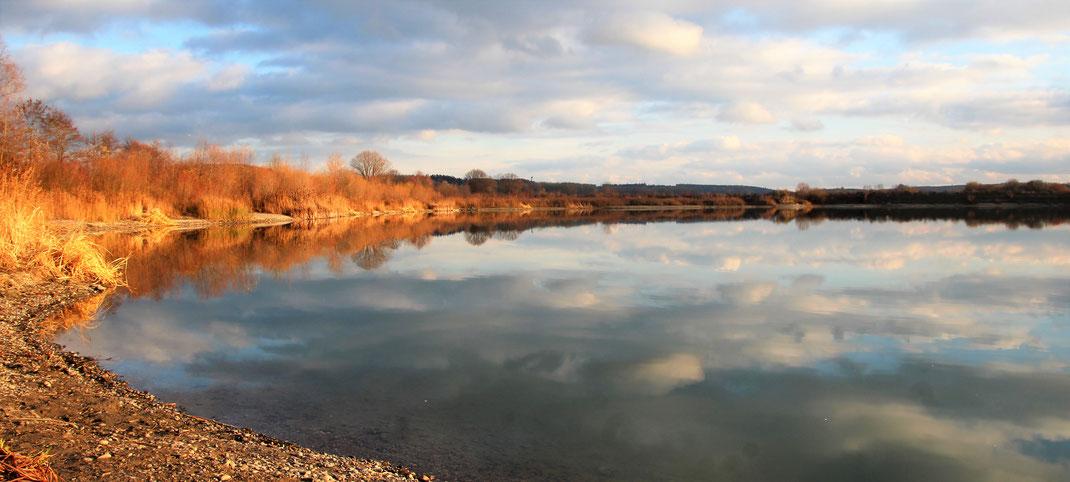 Natursee Baggersee Wullenstetten im Herbst LBV Neu-Ulm
