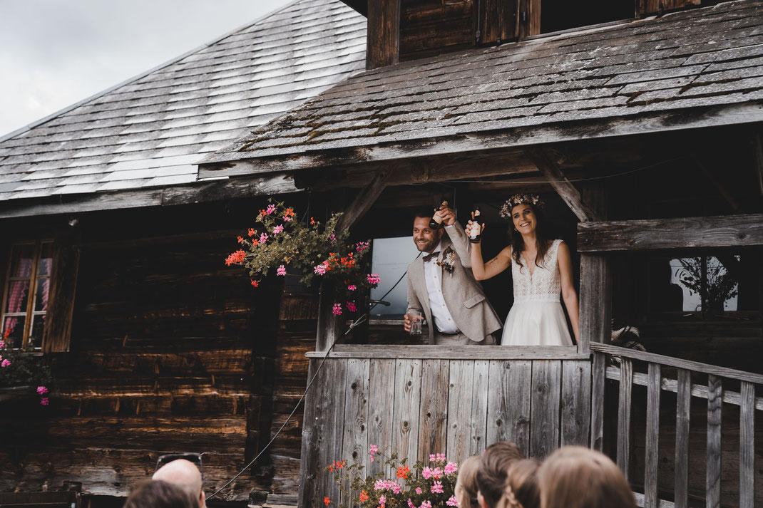 Ein Prosit auf das Brautpaar