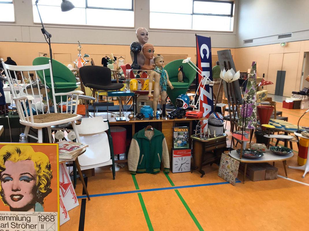 Unser Stand am 1. März auf dem Designmarkt in Wiesbaden Erbenheim. Der Markt ist stets einen Besuch wert. Wieder im November 2020.