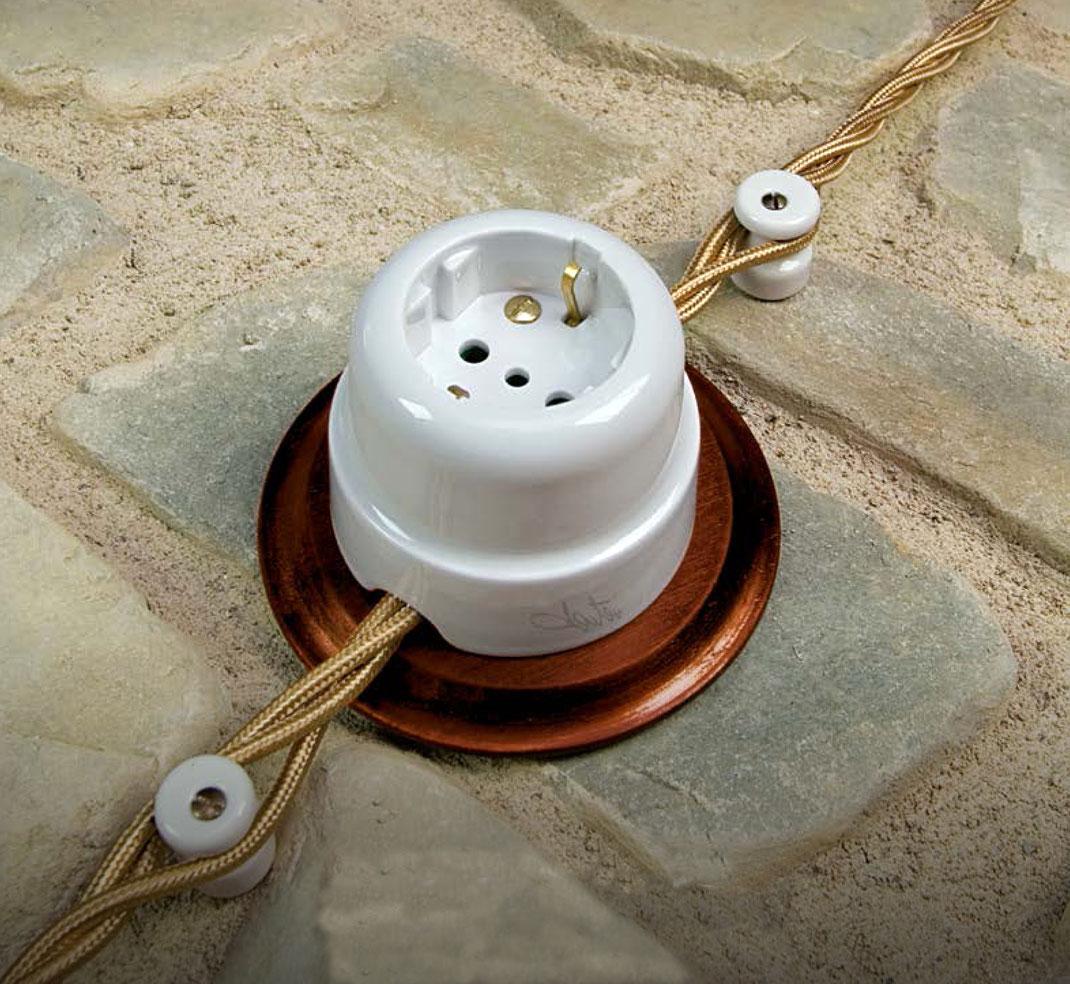 le prolunghe +impianto +a vista +elettrico +c'era una volta +vintage +tonda +serie +europa +ceramica +sandroshop #interrupteur en céramique #Keramikschalter