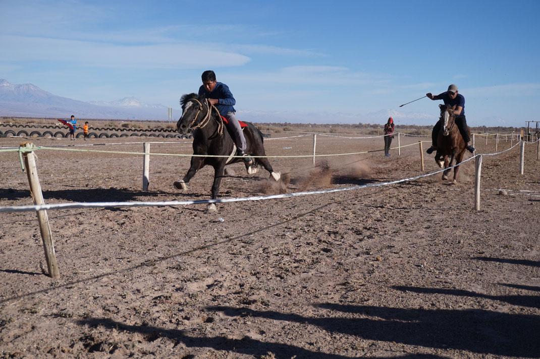 Reiterspiele anläßlich des Nationalfeiertags - San Pedro de Atacama