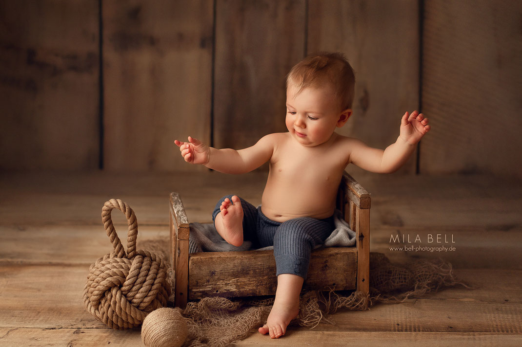 Fotoshooting mit Baby Berlin Fotostudio Kinderfotograf Babyfotograf Kinderfotografie Babyfotografie schöne Babyfotos Potsdam Fotograf Shooting