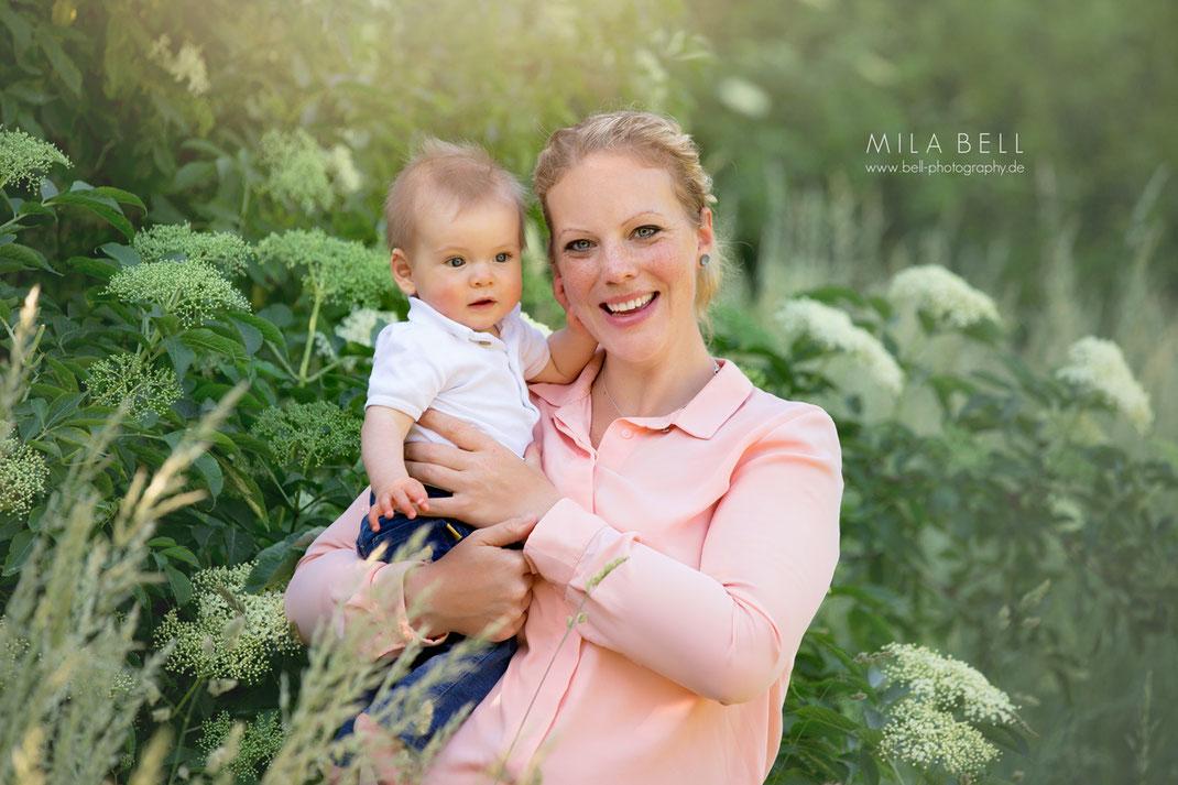 Babyfotos und Familienfotos in Berlin - Fotshooting im Fotostudio und im Park