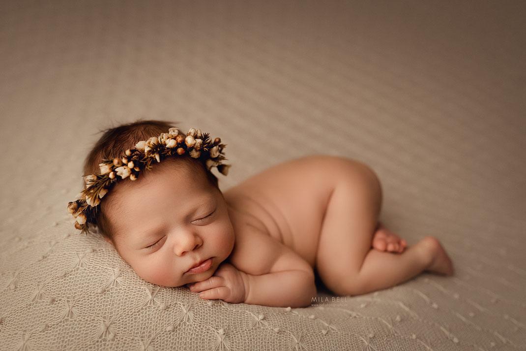 Baby Fotoshooting in Berlin Babyfotograf Potsdam Babyshooting Neugeborenenfotos Babyfotos natürliche Bilder Neugeborenes Geschwister Shooting Schwangerschaft