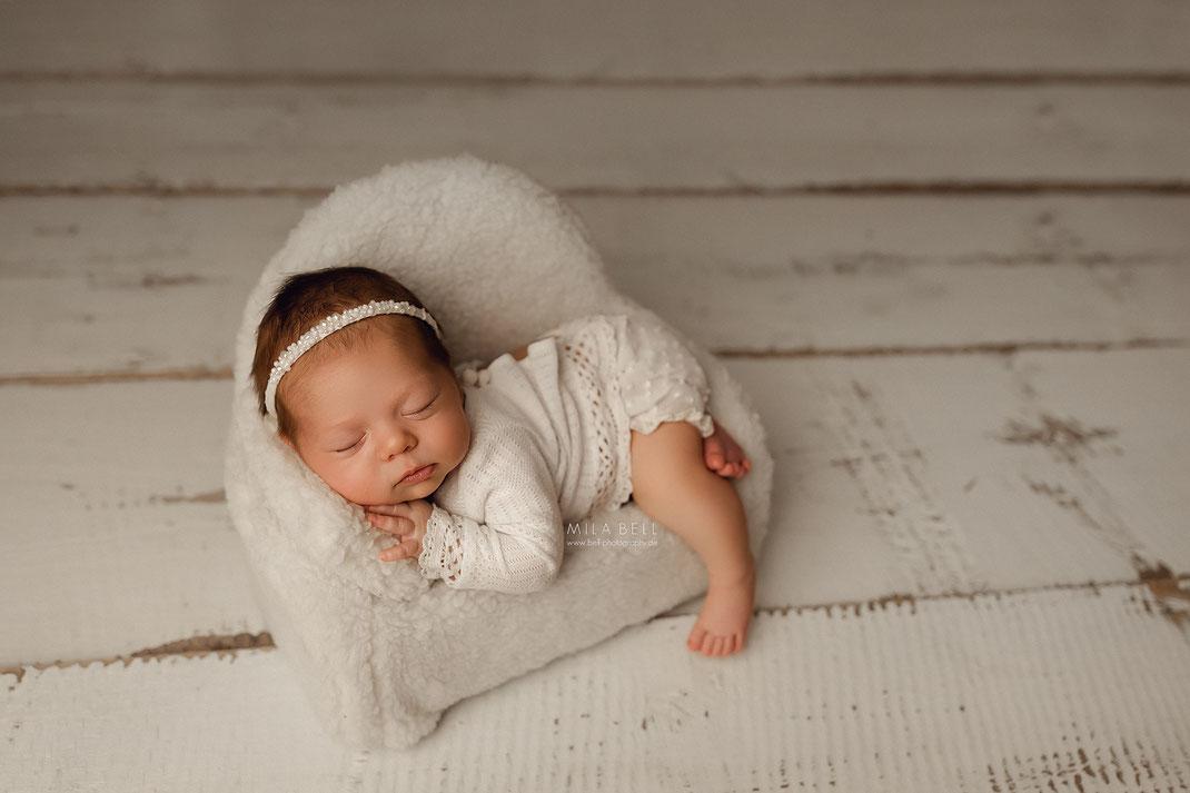 Baby Fotoshooting in Berlin Potsdam Babyshooting Neugeborenenfotos Babyfotos natürliche Bilder Neugeborenes Geschwister Shooting Schwangerschaft