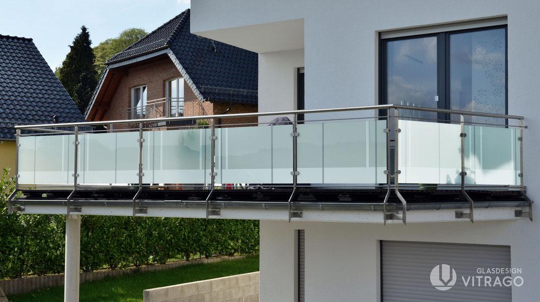 Glasgeländer für Treppe und Balkon nach Maß