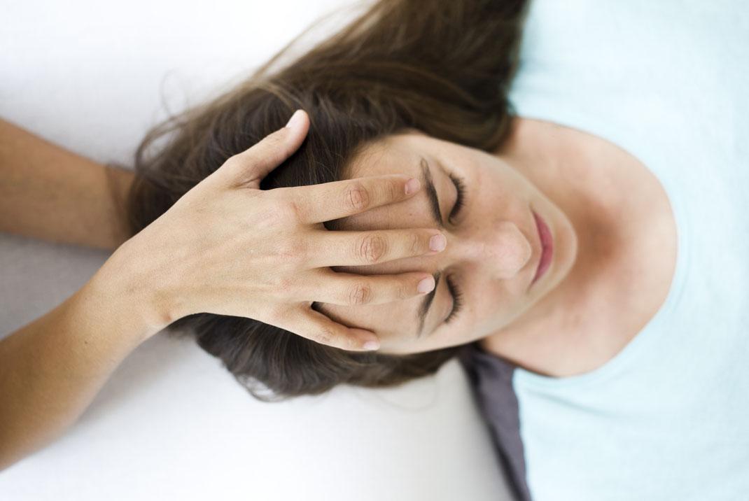 Osteopathie_Behandlung_Kopf