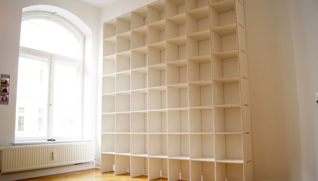 regal um die ecke home ideen. Black Bedroom Furniture Sets. Home Design Ideas
