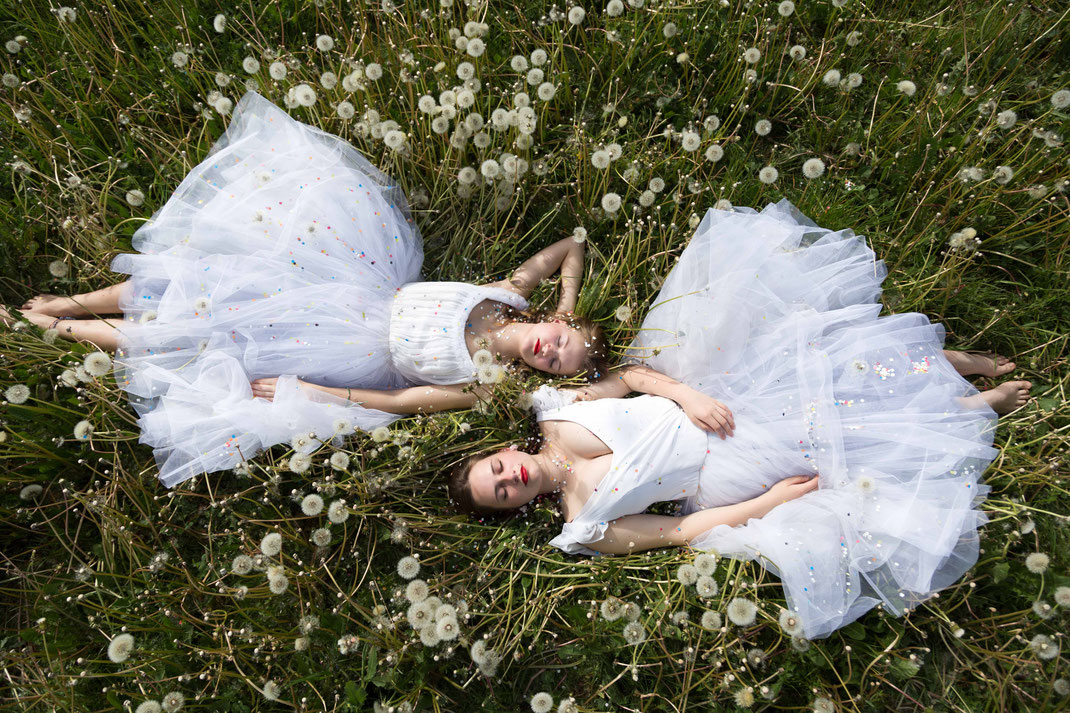 Pusteblumen-Ballerinas IV, Au printemps, May 2017, Belgium
