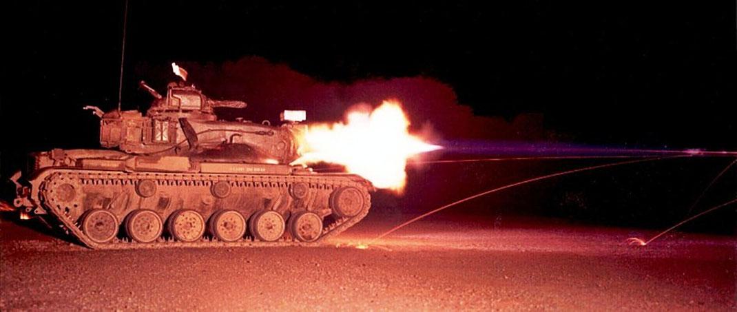 """Cliché spectaculaire lors d'une campagne de tir de nuit pour ce """"Starship"""""""