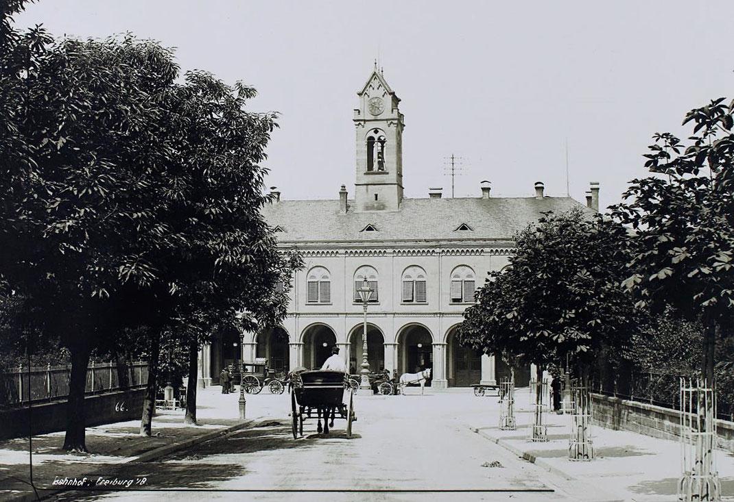 Eisenbahnstraße Blick auf Hauptbahnhof Freiburg ca 1875