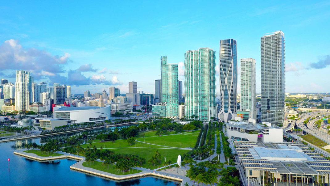 Miami Downtown mit Blick auf das Dolphin Stadium