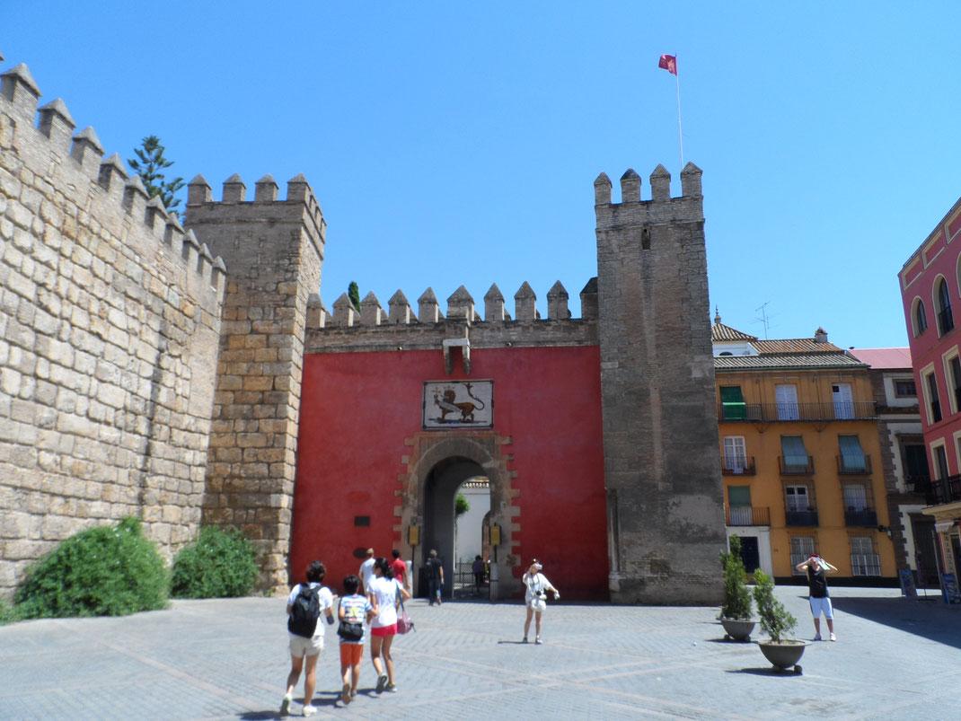Puerta del León, Alcazar.